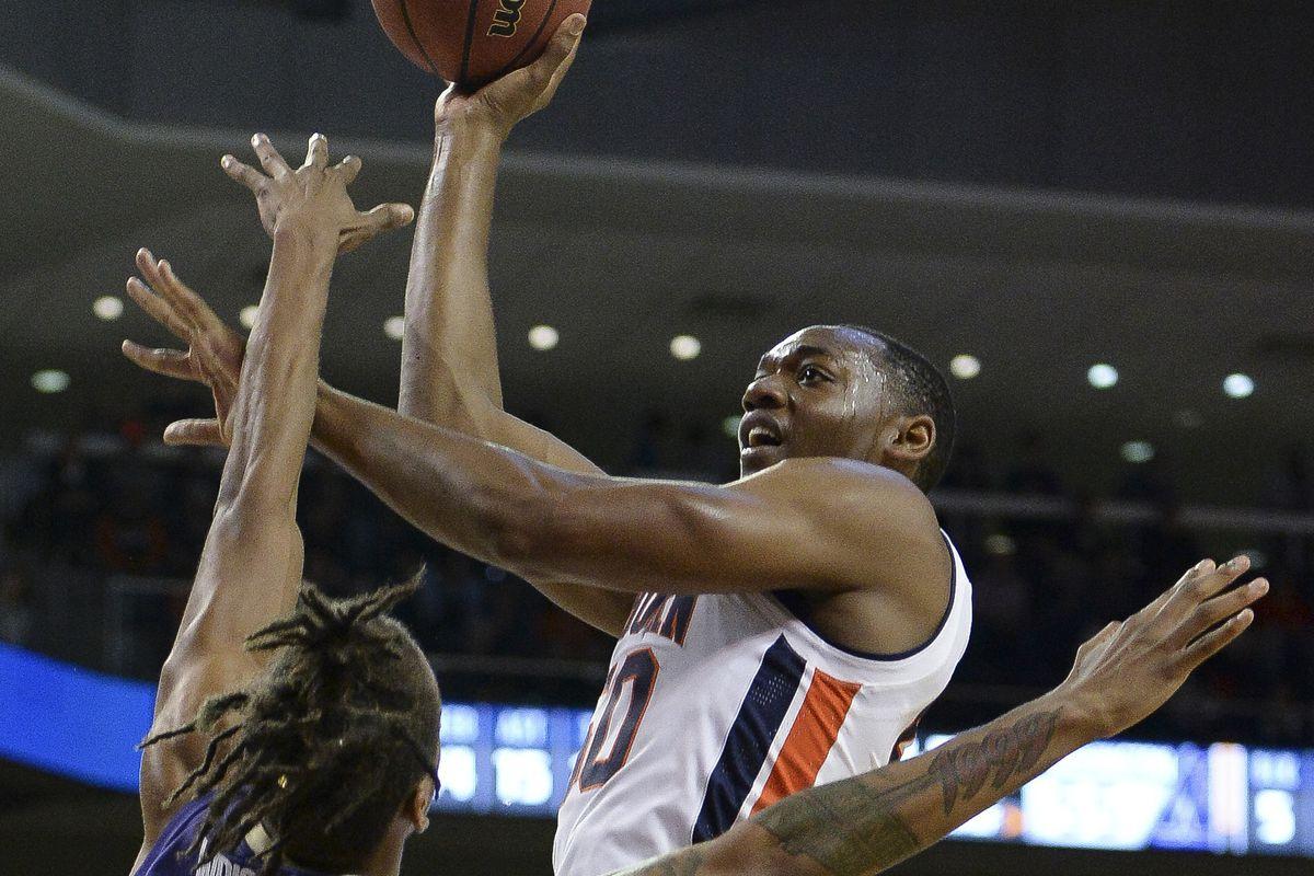NCAA Basketball: Washington at Auburn