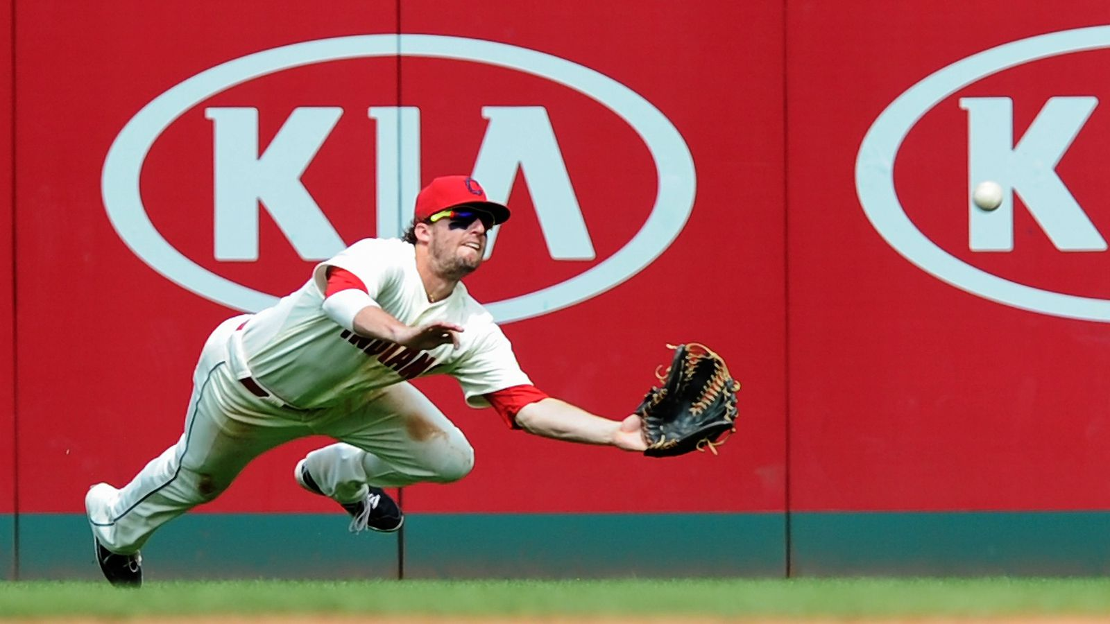 Cleveland Indians recall Tyler Holt to take David Murphy's ...