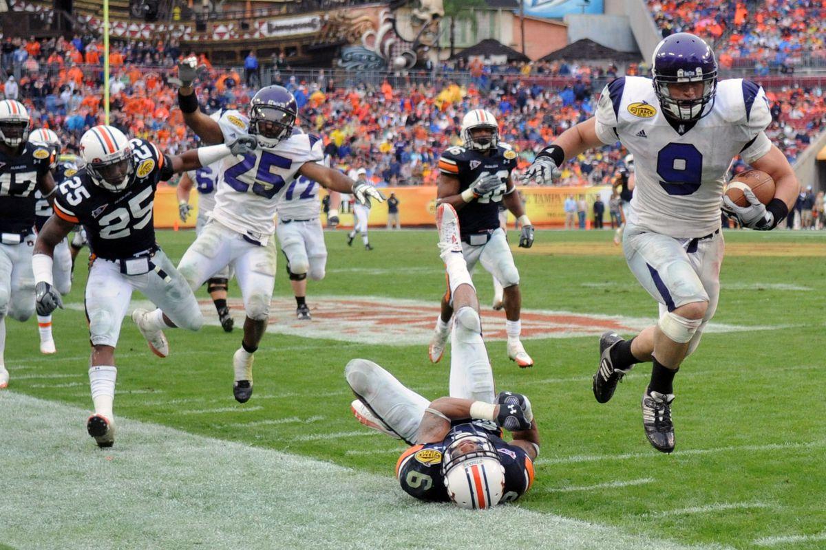 Outback Bowl - Northwestern Wildcats v Auburn Tigers