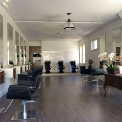 """<span class=""""credit"""">Photo via <a href=""""http://hoodline.com/2014/04/new-salon-at-fell-and-fillmore"""">Hoodline</a></a></span> <strong>David James Salon:</strong> A welcome newcomer to the slightly ambiguous neighborhood that borders Alamo Square, Western A"""