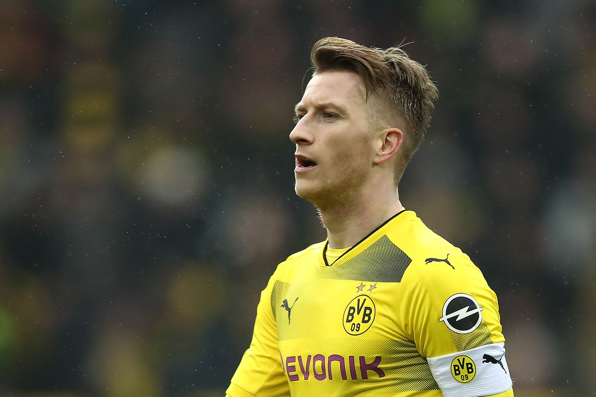 Strong Second Half Leads Borussia Dortmund To 2 0 Win Over
