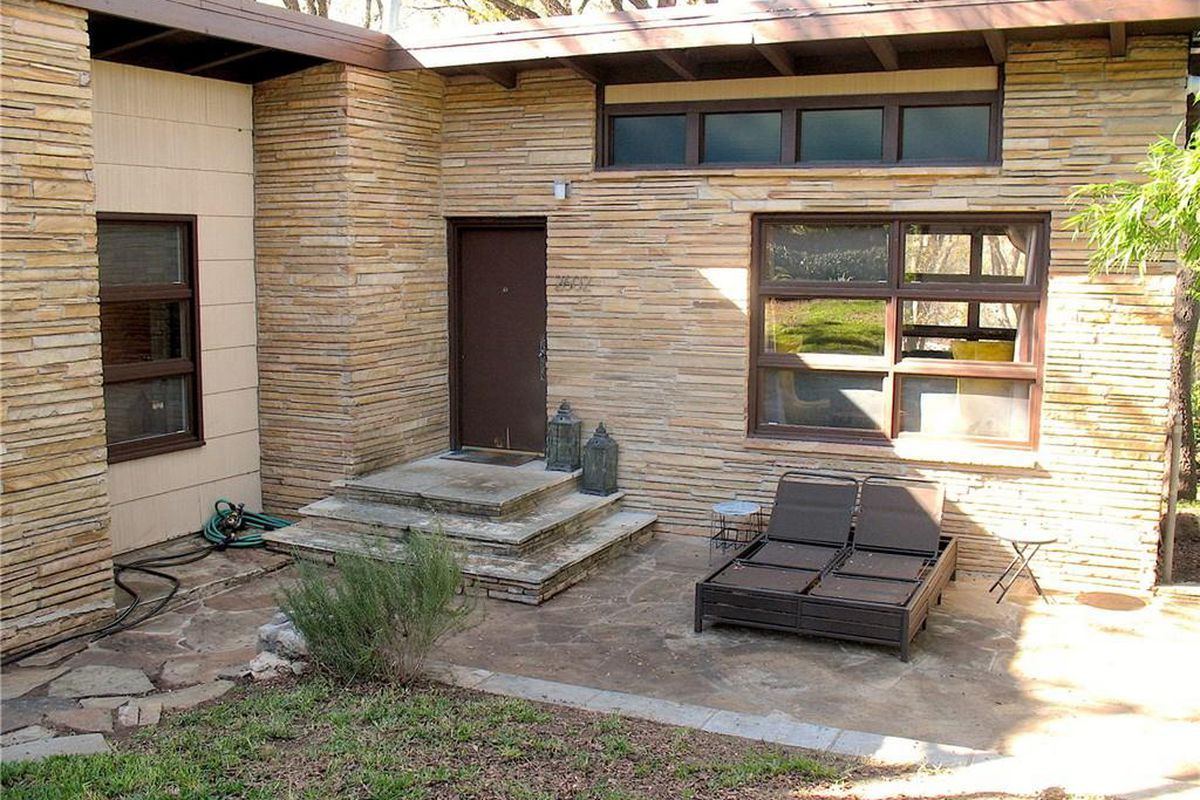 Midcentury modern south central Austin home for sale - Curbed Austin