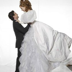 Enchanted (2007): Fairy tales will come true if you believe in shoulder puffs this big.