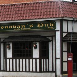 """<a href=""""http://ny.eater.com/archives/2012/07/donovans.php"""">Old-Timers: Queens Institution Donovan's Pub is on the Market</a>"""