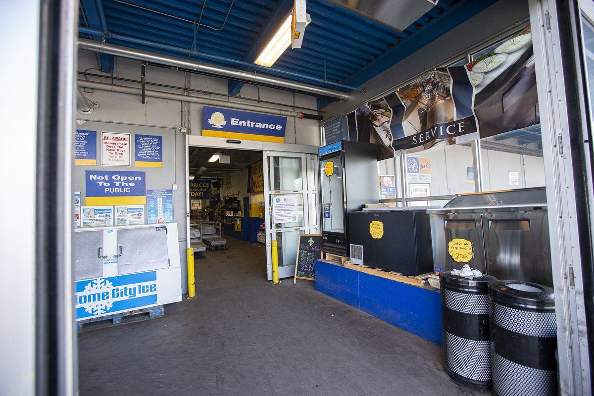 A entrance of Restaurant Depot.