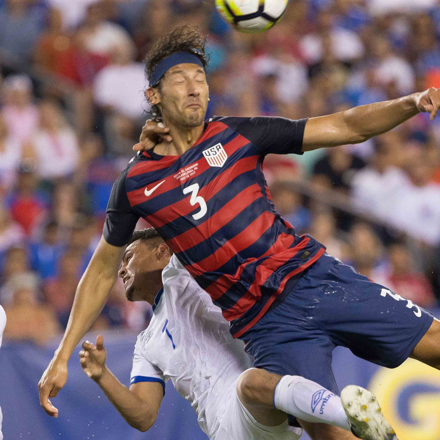 newest collection 0c104 4826a Soccer News  Omar Gonzalez signs with Toronto FC - Stumptown Footy