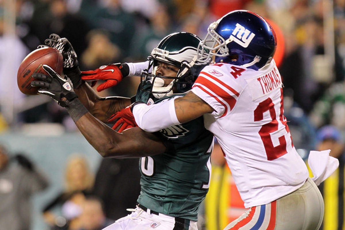 PHILADELPHIA - NOVEMBER 21:  Terrell Thomas of the New York Giants breaks up a pass intended Jeremy Maclin of the Philadelphia Eagles at Lincoln Financial Field on November 21 2010 in Philadelphia Pennsylvania. (Photo by Nick Laham/Getty Images)