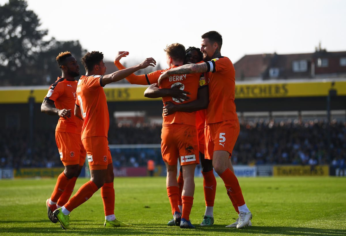 Bristol Rovers v Luton Town - Sky Bet League One