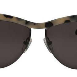 """The New Tortoise: <b>Prism</b> Buenos Aires Sunglasses, <a href=""""http://www.farfetch.com/shopping/women/designer-prism-buenos-aires-sunglasses-item-10400296.aspx"""">$345</a> at Owen"""