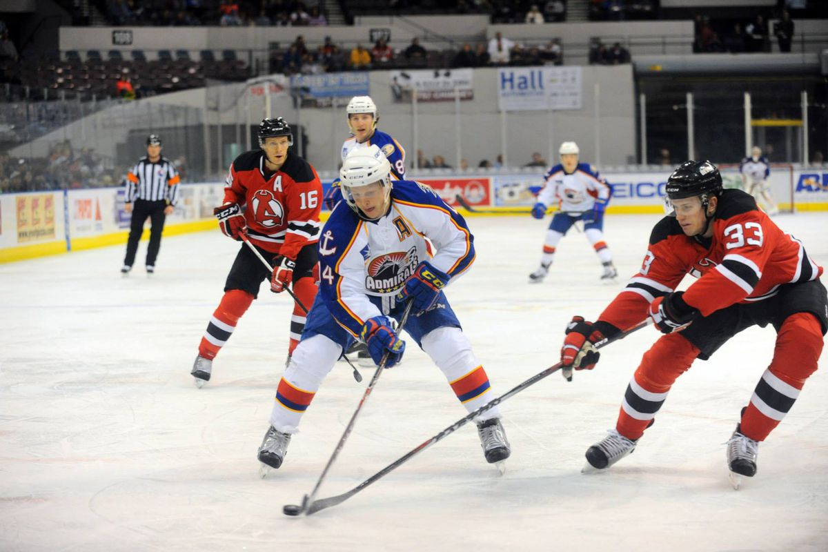 Max Friberg stick handles on his way to the net vs the Albany Devils 3-27-2015