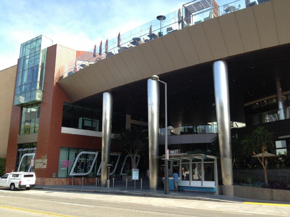 Santa-Monica-Place-2nd-Street-Valet-Parking2_2015_02.jpg
