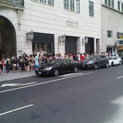"La Perla line. Image via <a href=""http://twitter.com/jimshi809/status/15569559563"" rel=""nofollow"">Jim Shi</a>/Twitter"