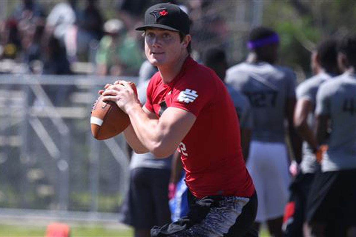3-star QB Cade Weldon commited to the Miami Hurricanes on Monday night
