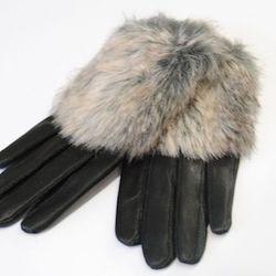 These cozy, black leather gloves from Von Z (shopvonz.com) have a faux fur trim. Photo: via ShopVonZ.com