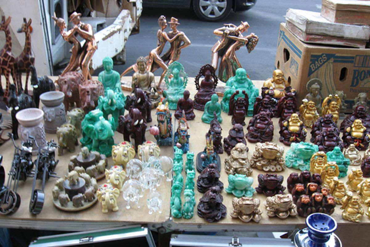 """Canal Street figurines via <a href=""""http://www.flickr.com/photos/28547269@N00/3312231902/in/pool-312691@N20/"""">Eugene Gannon</a>/Racked Flickr pool. Want to contribute? Join <a href=""""http://www.flickr.com/groups/rackedny/pool/with/3312231902/"""">here</"""