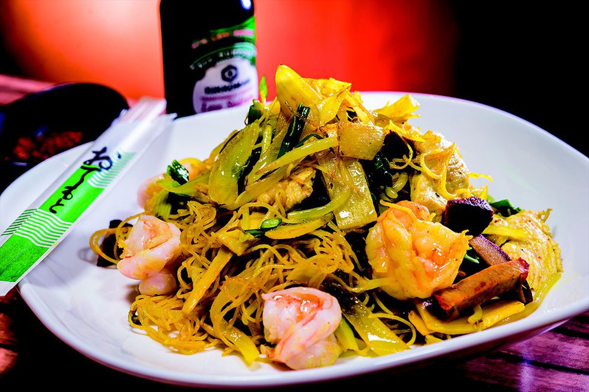 Singapore noodles at Peng Zu