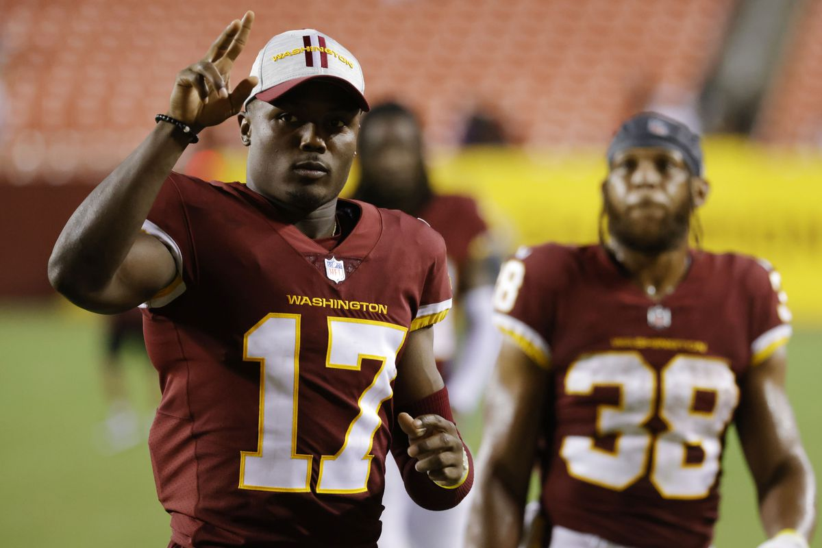 Washington Football Team wide receiver Terry McLaurin (17) waves to fans while leaving the field after the Washington Football Team's game against the Cincinnati Bengals at FedExField.