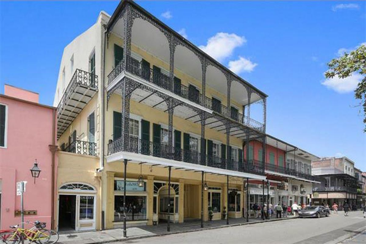 "photo via <a href=""http://www.realtor.com/realestateandhomes-detail/431-Royal-St_New-Orleans_LA_70130_M89724-93371?row=9#"">Realtor.com</a>"