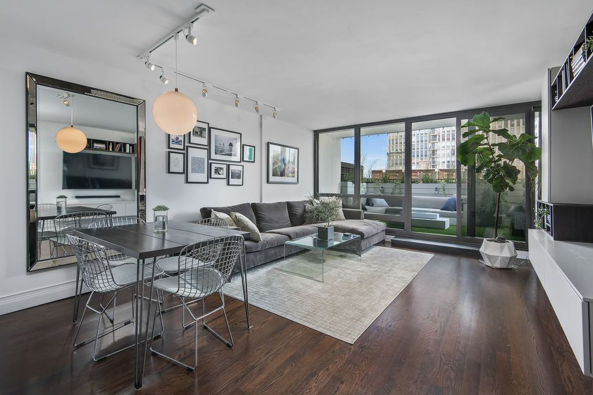 This Old Town Condo Is Probably The Slickest One Bedroom For Sale In Chicago Right Now Curbed