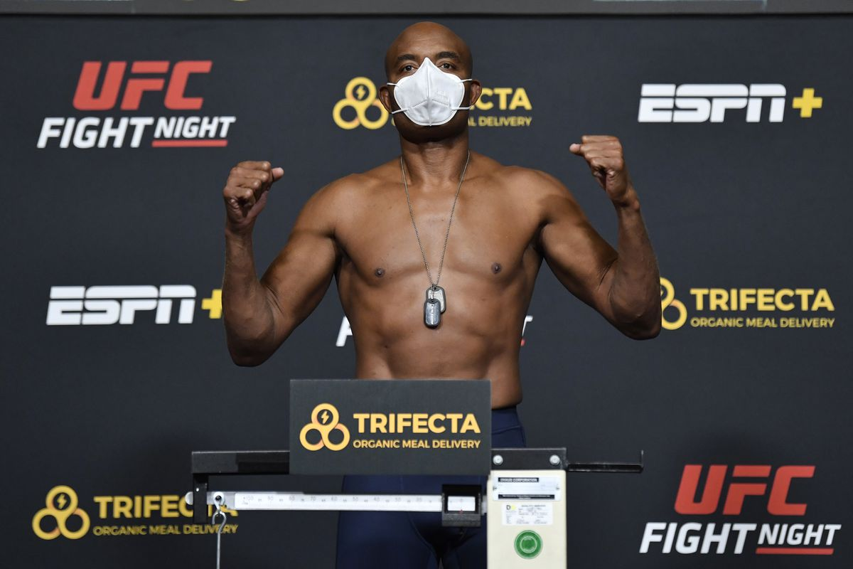 UFC Fight Night Hall v Silva: Weigh-Ins