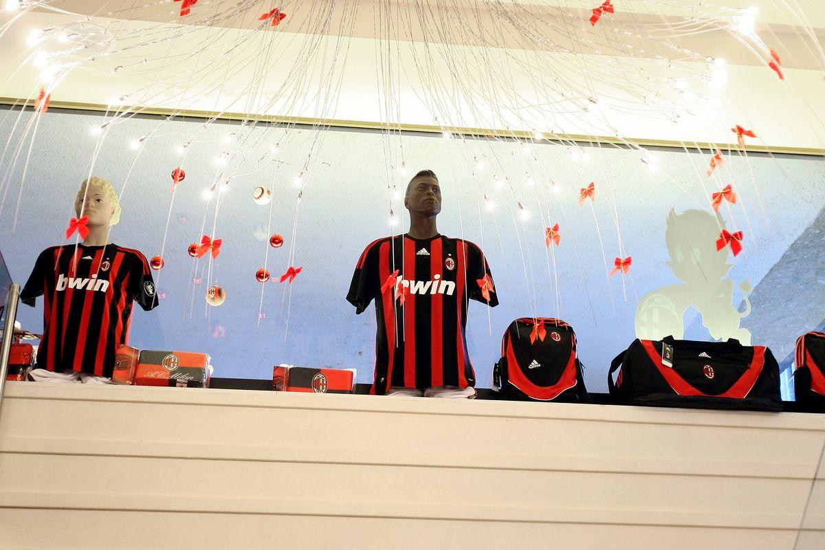 Beckham-Mania Heads To Milan