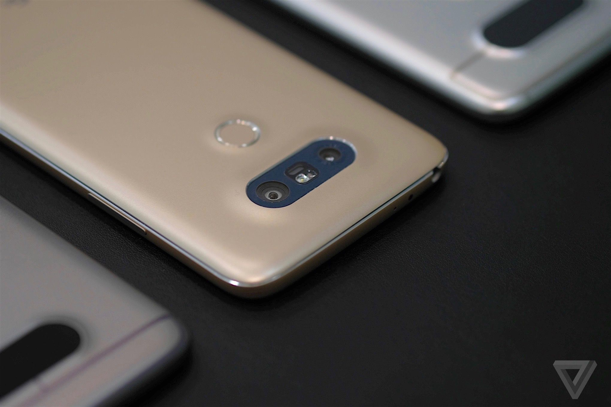 LG's G5 designer explains the quirkiest phone of 2016 | The Verge