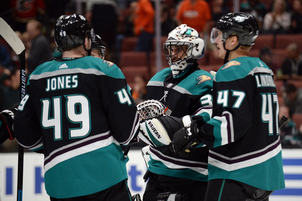 2018 19 Anaheim Ducks A Tale Of Two Seasons Anaheim Calling