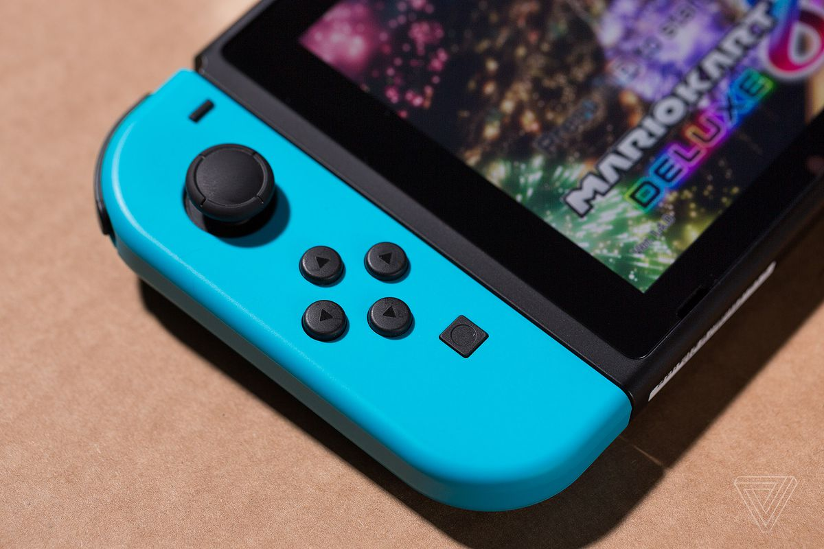 The Nintendo Switch Might Be My Favorite Console Ever Verge Ds Lite Edge Photo By James Bareham