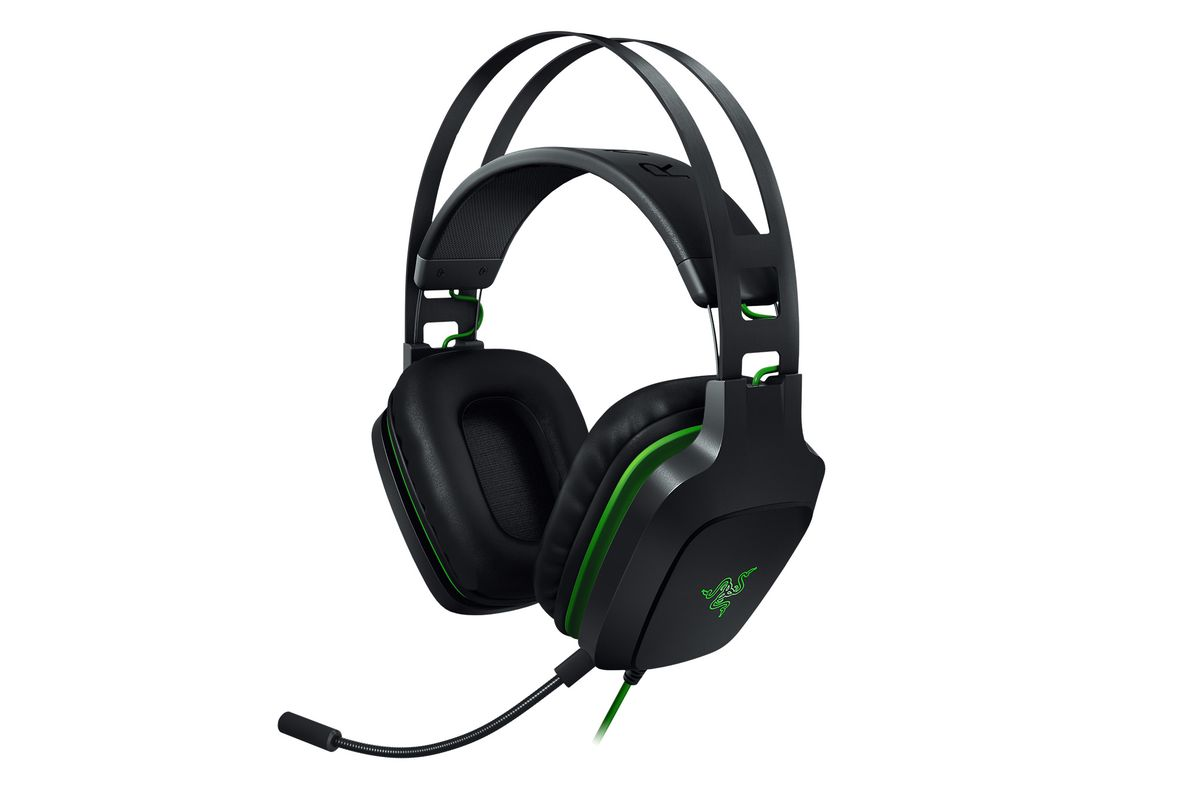 53f4775abf7 Razer's Electra V2 headset does virtual 7.1 surround sound on a budget