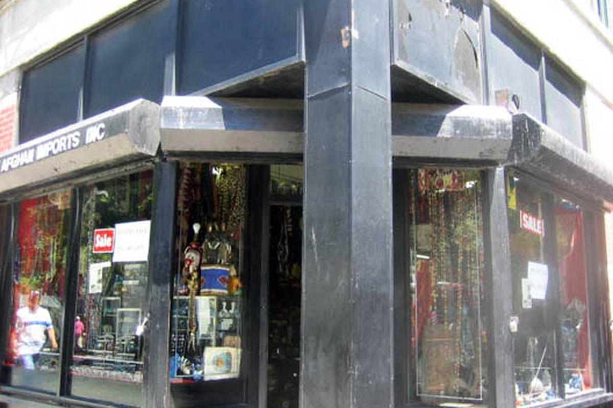 "351 Bleecker Street pre-makeover.  Image via <a href=""http://www.flickr.com/photos/11205114@N03/2675013911/"">VNY</a>/Flickr"