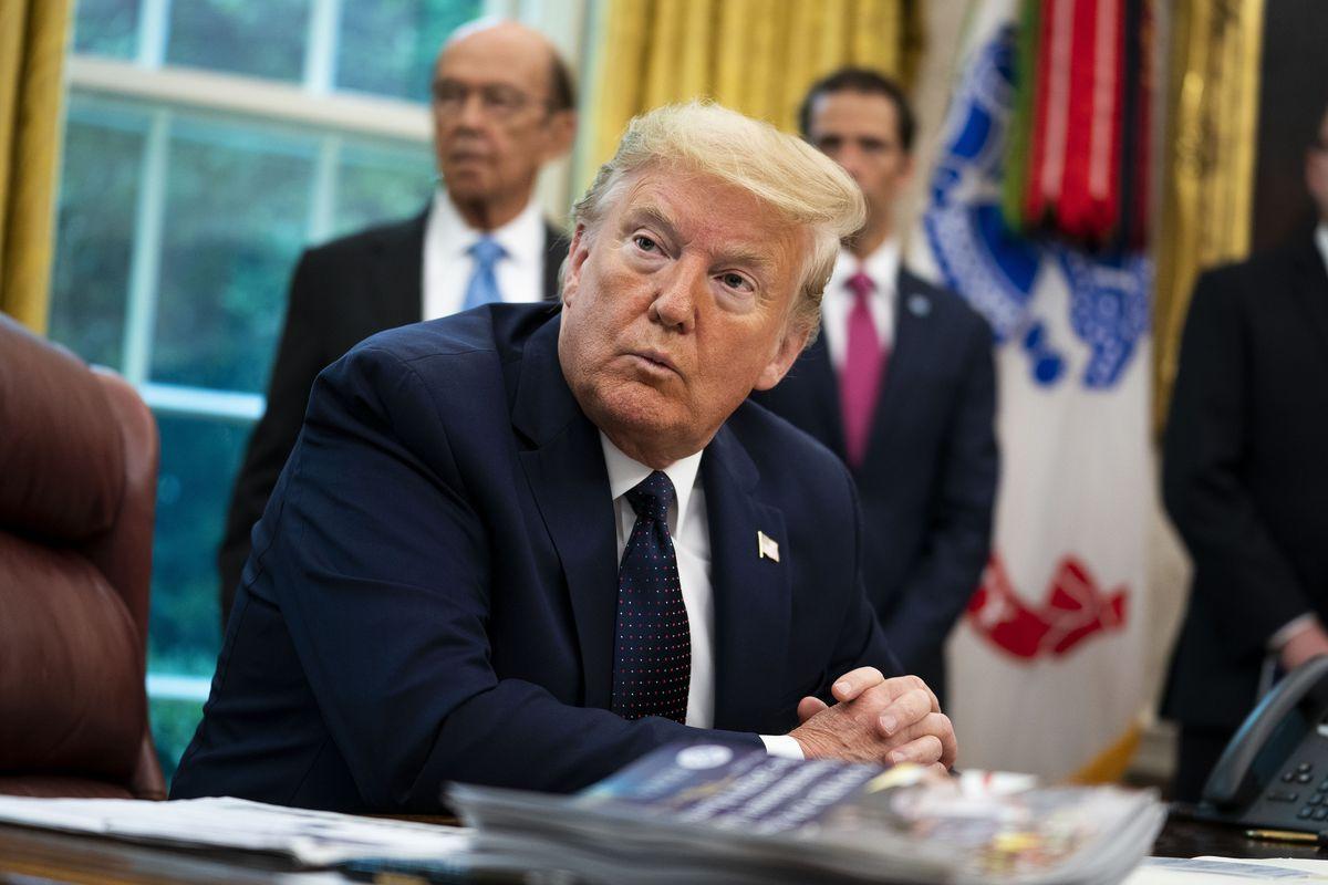Donald Trump signs executive order targeting social media ...