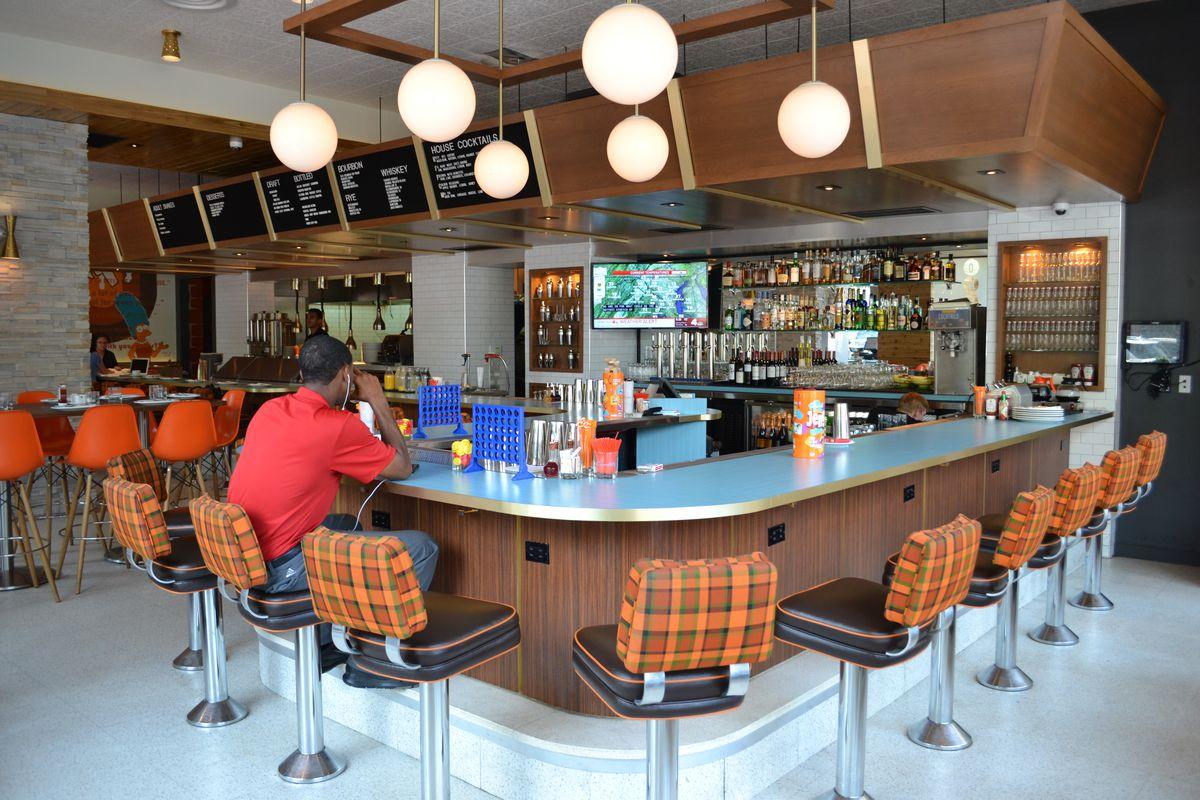 Struggling Bethesda Diner Shuts Down For Burger Revamp