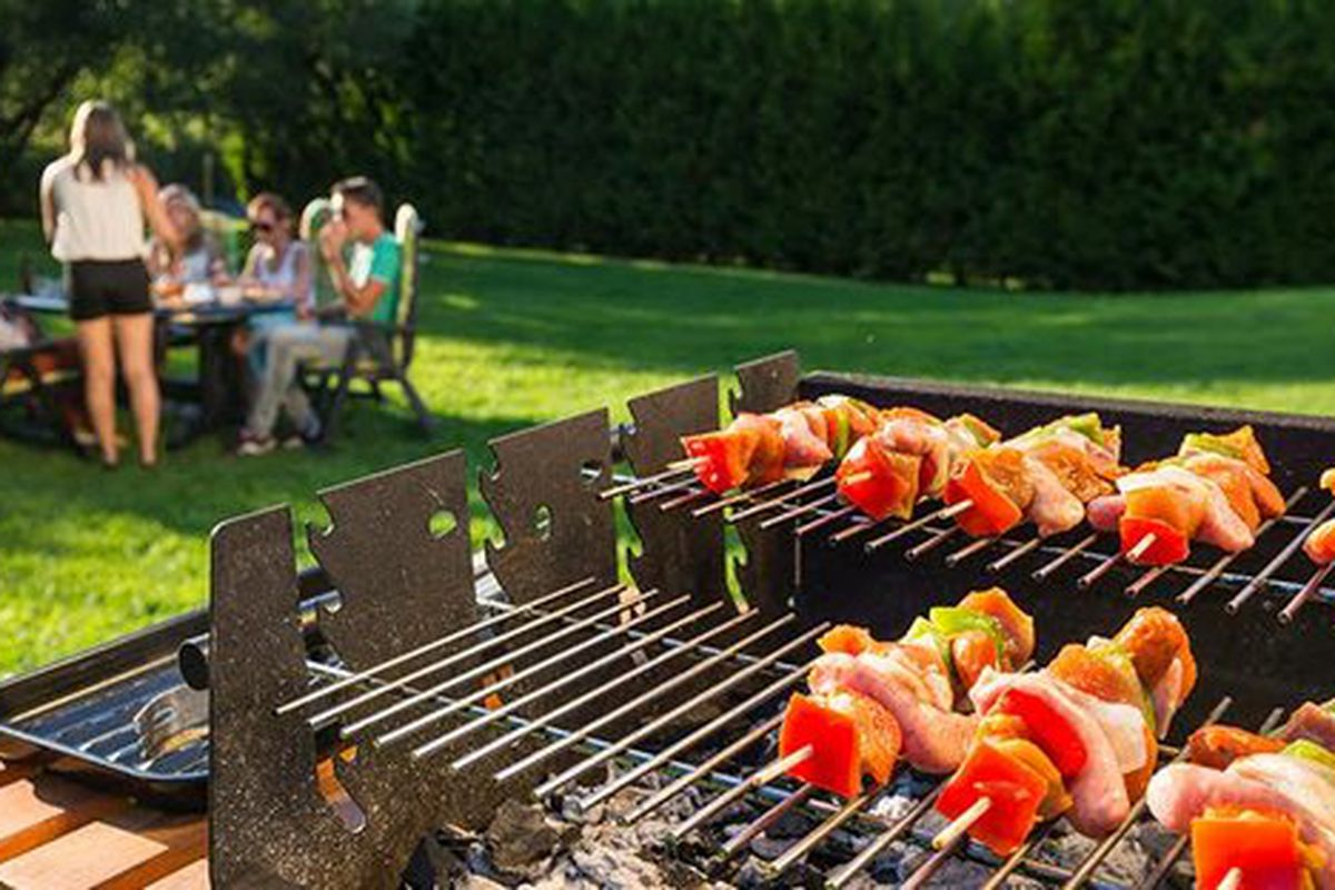 An Open Letter To My Neighbors Who Have A Grill