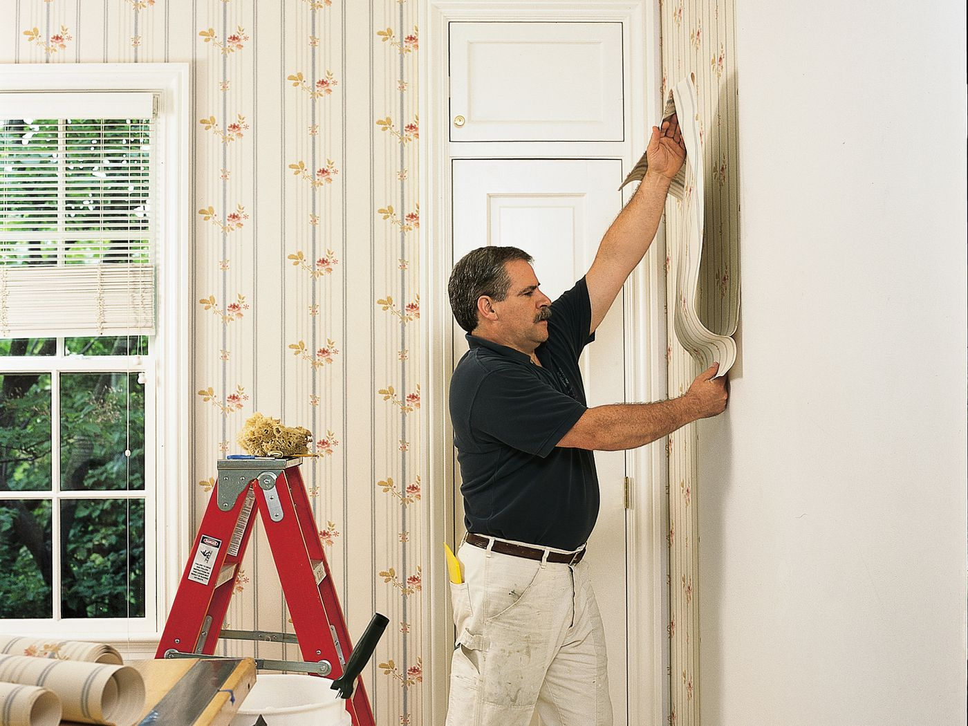 How to Hang Wallpaper in 9 Steps - This Old House