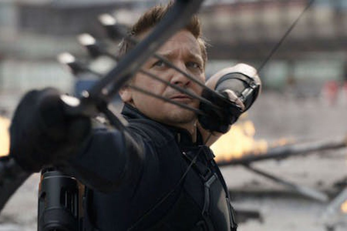 avengers: infinity war directors are finally addressing hawkeye