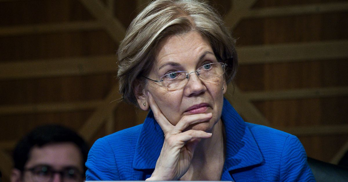 """Elizabeth Warren wants answers about Trump's """"pathetic"""" response to the opioid epidemic"""