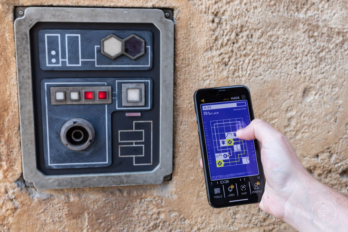 The Disneyland app connects with a terminal at Galaxy's Edge