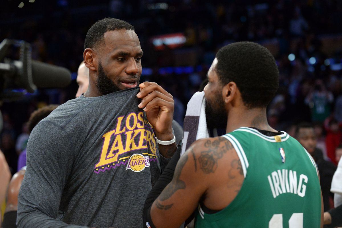 buy popular 9d9c5 a9aff Rumor: Kyrie Irving considering reuniting with LeBron James ...
