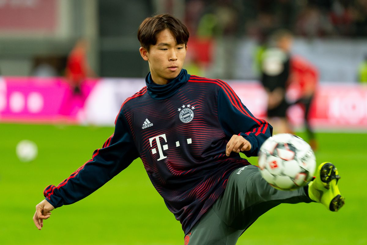Fortuna Duesseldorf v Bayern Muenchen - Telekom Cup 2019 DUESSELDORF, GERMANY - JANUARY 13: Wooyeong Jeong of Bayern Muenchen controls the ball prior to the Telekom Cup Semifinal match between Fortuna Duesseldorf and Bayern Muenchen at Merkur Spiel-Arena on January 13, 2019 in Duesseldorf, Germany.