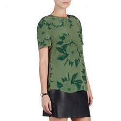 "<b>Equipment</b> Riley Tee in Tropical Floral Print, <a href=""http://www.equipmentfr.com/riley-tee-safari-green-tropcial-floral-print"">$168</a>"