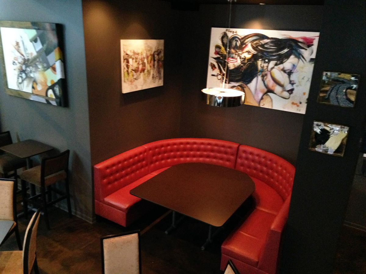 four star lounge