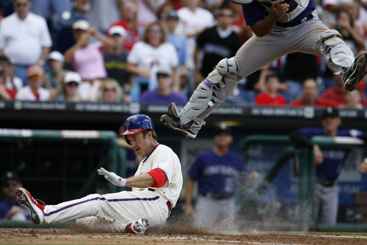 Fly, Utley fly! On the road to victory! (Photo by Chris Gardner/Getty Images)