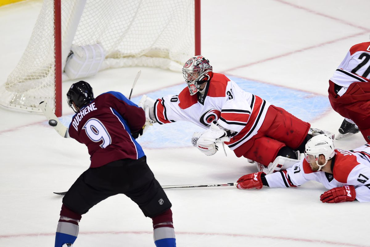Cam Ward makes a key save late against the Avs