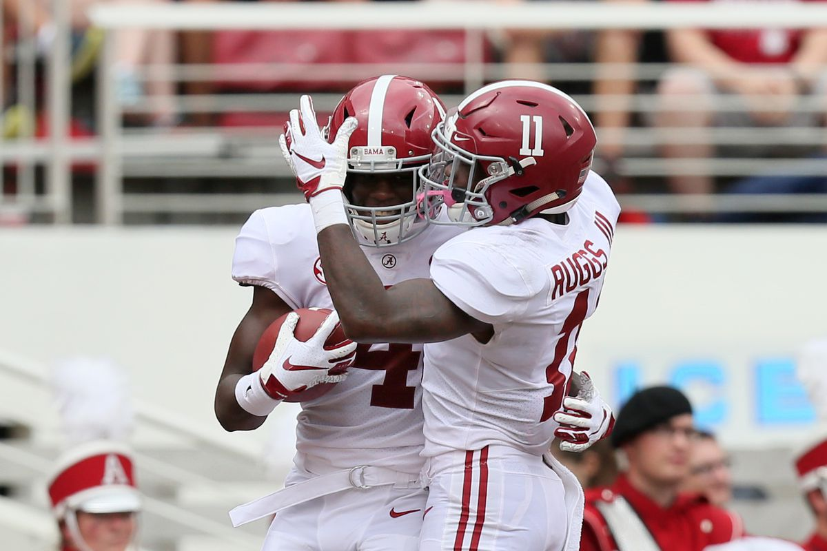 """WATCH: Alabama WRs play """"rock, paper, scissors"""" to decide pass routes"""