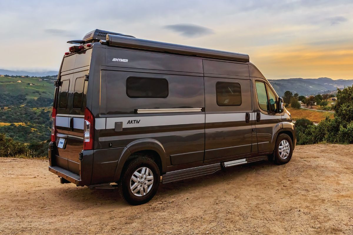 the 5 best rvs and camper vans you can buy right now curbed. Black Bedroom Furniture Sets. Home Design Ideas