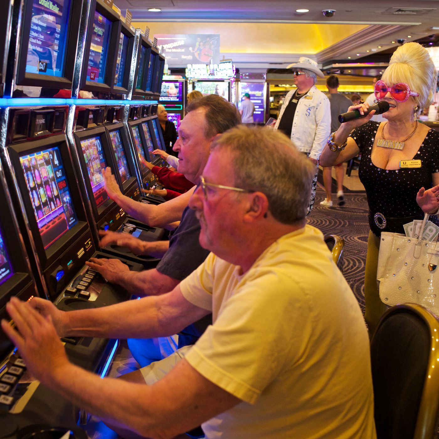 Slot machines perfected addictive gaming. Now, tech wants their tricks |  The Verge
