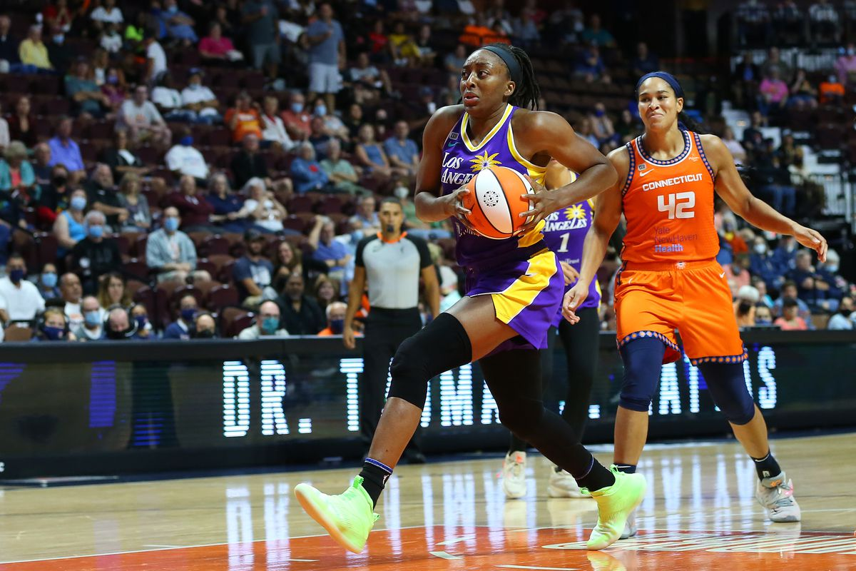 Los Angeles Sparks forward Nneka Ogwumike (30) drives to the basket during a WNBA game between Los Angeles Sparks and Connecticut Sun on August 26, 2021, at Mohegan Sun Arena in Uncasville, CT.