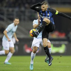 Mauro Icardi of FC Internazionale in action during the serie A match between FC Internazionale and SS Lazio at Stadio Giuseppe Meazza on December 30, 2017 in Milan, Italy.