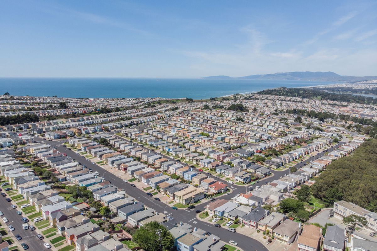 Rows of homes in the Outer Sunset, seen from the air.
