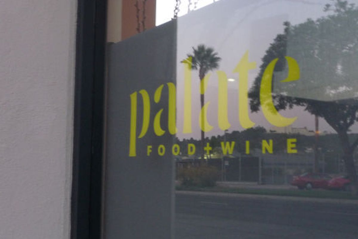 Dusk at Palate Food + Wine in Glendale.